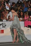 http://img126.imagevenue.com/loc1004/th_12645_Anne_Hathaway_2008-09-03_-_Rachel_Getting_Married__premiere3_65th_Venice_FF_942_122_1004lo.jpg