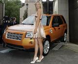 http://img126.imagevenue.com/loc186/th_47787_05581_Maria_Sharapova1.jpg