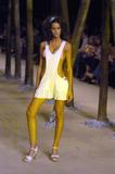 Izabel Goulart Shoe Size:(US) 8; (EU) 39 Foto 2 (������� ������ ������ �����: (US) 8; (��) 39 ���� 2)