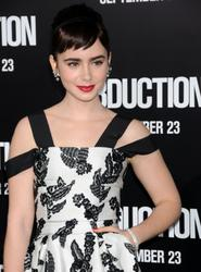 Лили Коллинз, фото 554. Lily Collins 'Abduction' Los Angeles Premiere at Grauman's Chinese Theatre on September 15, 2011 in Hollywood, California, foto 554