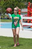 Kendra Wilkinson | Playing Basketball in a Park in LA | June 7 | 11 leggy pics